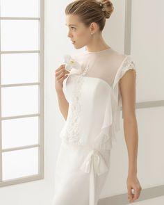 DANUBIO traje de novia en gasa de seda y bordado pedrería.