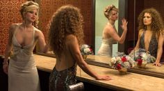 Jennifer Lawrence damaged 'American Hustle' gown with Dorito dust - lol totally something I would do