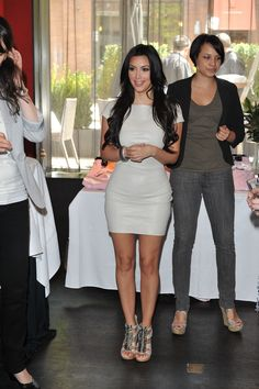 Kim Kardashian 2010, Kardashian Beauty, Kardashian Style, Kardashian Jenner, Kardashian Fashion, Curvey Women, Sexy Women, 90s Fashion, Fashion Outfits