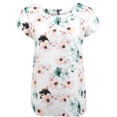 #Frühling ohne #Klamotten mit Blumendruck? Undenkbar! Dieses #T-Shirt überrascht mit einer modernen Interpretation des #Blumenmusters ♥ ab 29,99€