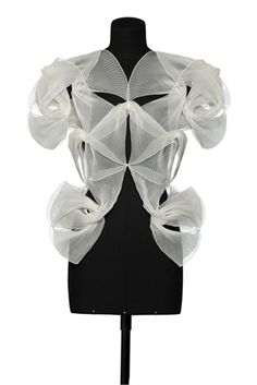 Wearable Art - top with sculptural pleat patterns & beautifully structured symmetry; 3D fashion // Sandra Backlund