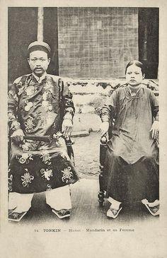 TONKIN - HANOI - Mandarin with Wife (ca. 1899)