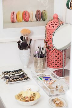 Keep brushes in cup/vase, jewelry in dishes Alaina Kaczmarski's Lincoln Park Apartment Tour | The Everygirl
