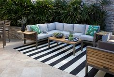 Living Spaces - Outdoor 2018 - Outdoor Brasilia Teak Dining Table With 4 Chairs And 1 Bench Cozy Backyard, Backyard Seating, Backyard Ideas, Outdoor Rugs, Outdoor Living, Outdoor Decor, Outdoor Patios, Indoor Outdoor, Teak Dining Table