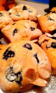 Mini Blueberry & Almond Squares
