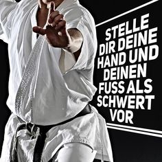 Gichin Funakoshi Stelle dir deine Hand und deinen Fuß als Schwert vor Think of your opponents hands and feet as swords. hito no teashi o ken to omoe #karate #karatedo #shotokan #kihon #kata #kumite #dan #meistergrad #meister #budo #budoka #kuroobi #blackbelt #scharzgurt #youtube Link in Bio!