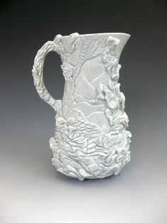 Pouring vessel