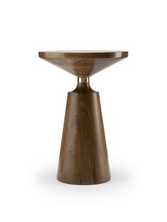 Stuart Scott Associates is an exciting contemporary furniture company. Led by the designer Stuart Scott, the company also offers a Bespoke design service. Small Tables, End Tables, Table Furniture, Furniture Design, Regency Furniture, Walnut Wood, Contemporary Furniture, Decoration, Solid Wood
