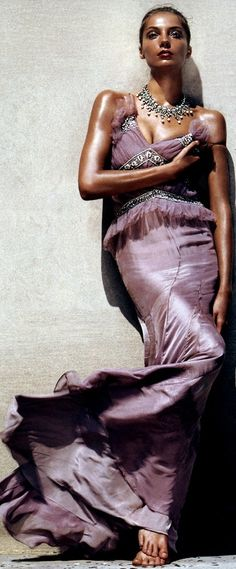 Daria Werbowy in mauve/lavender gown
