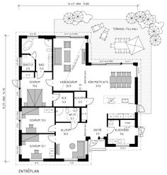 Tuff villa i Swedish Modern-stil, perfekt för tonårsfamiljen med barnsovrum och allrum lite avskilda och nära entrén. Föräldrasovrum med eget bad och kanske bastu? Small House Plans, House Floor Plans, Roomspiration, Sims House, Planer, Bungalow, Sweet Home, New Homes, Villa