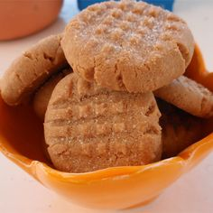 Three Ingredient Peanut Butter Cookies Recipe and Video Peanut Recipes, Cookie Recipes, Snack Recipes, Dessert Recipes, Desserts, Sweet Recipes, Cookies Ingredients, 3 Ingredients, Sin Gluten