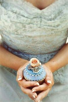❧ Party in blue with cupcake❧
