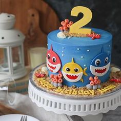 17 Cute Baby Shark Party Ideas - Pretty My Party - Party Ideas Baby-Hai-Kuchen - Baby-Hai-Part Shark Birthday Cakes, 2nd Birthday Party Themes, Baby Boy 1st Birthday, Boy Birthday Parties, Birthday Cake Kids Boys, Birthday Ideas, Cupcake Birthday, 60th Birthday, Baby Cakes