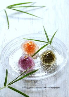 カラフル野菜の葛まんじゅう〜葛饅頭Kudzu-manju Japanese Wagashi, Japanese Sweets, Space Food, Purple Potatoes, Japanese Water, Colorful Vegetables, Bamboo Basket, Steamed Buns, Seasonal Flowers