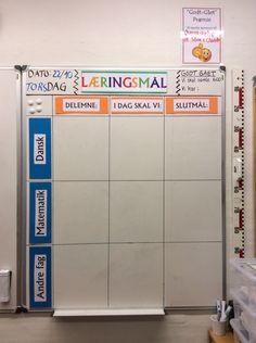 Så fik vi endelig et ekstra whiteboard op i klasse. Det skal bruges til at… Visible Learning, Teachers Toolbox, Classroom Layout, Cooperative Learning, Too Cool For School, Classroom Management, Teaching Kids, Kids Playing, Locker Storage
