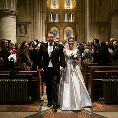 precasamento.com #precasamento #sitedecasamento #bride #groom #wedding #instawedding #engaged #love #casamento #noiva #noivo #noivos #luademel #noivado #casamentotop #vestidodenoiva #penteadodenoiva #madrinhadecasamento #pedidodecasamento #chadelingerie #chadecozinha #aneldenoivado #bridestyle #eudissesim #festadecasamento #voucasar #padrinhos #bridezilla #casamento2017 #casamento2018  Reposting @bridesofwinchester: Claire looking beautiful at her winter wedding in St Cross Winchester. Dress…