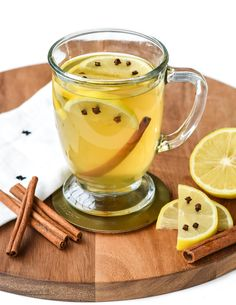Hotty Toddy gosh almighty it's incredibly cold outside! Thankfully you can warm up instantly with this traditional Irish Hot Toddy cocktail!