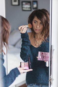Hello les filles,  J'espère que vous allez bien ?!  J'ai accueilli quelquesnouveautés dans ma routine beauté depuis plusieurs semaines alors je voulais vous faire un petit récapitulatif !  En général en matière de Make-Up (et soins) Nouveau billet !