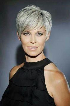 *** Uppfriskande korta frisyrer för att starta din vecka! Wow… super vacker!