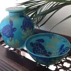 Michael Pugh Pottery. Love these beautiful pieces, titled 'Turquoise Turtle' by Sunshine Coast potter, Michael Pugh @middleearthpottery #michaelpugh #middleearth #sunshinecoast #pottery #turquoise #turtle