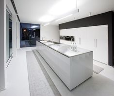 12184-ultra-modern-kitchen-cabinets-from-bravobravo-kitchen-design-home_1440x900.jpg 1,440×1,207 pixels