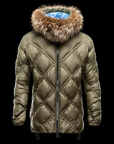 Discover PILLAR for Men: find out the product features and shop directly from the Moncler official Online Store. Man Down, Online Clothing Stores, Store Online, Men Online, Mans World, Parka, Jackets For Women, Winter Jackets, My Style