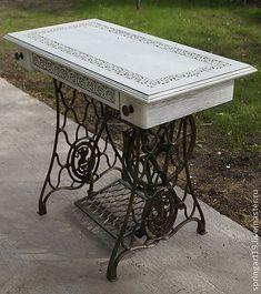 Столик на станине от машинки Зингер - белый,столик на станине зингер