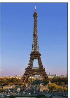 Carte La tour Eiffel et le ciel bleu de Paris pour envoyer par La Poste, sur Merci-Facteur !