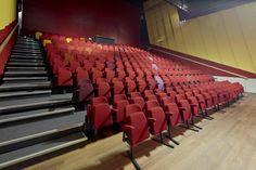 Zitplaatsen - theaterzaal ECI Cultuurfabriek #sfeerimpressie #industrieel #cultuur