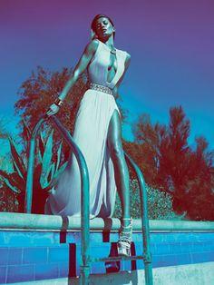 Gisele Bündchen - Versace Spring/Summer 2012