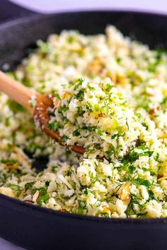 Herb Cauliflower Rice This easy herbed cauliflower rice is packed full of flavor, healthy, low-carb and quick to make.This easy herbed cauliflower rice is packed full of flavor, healthy, low-carb and quick to make. Healthy Side Dishes, Vegetable Dishes, Side Dish Recipes, Veggie Recipes, Vegetarian Recipes, Healthy Sides, Recipes With Herbs, Gourmet Food Recipes, Recipes Dinner