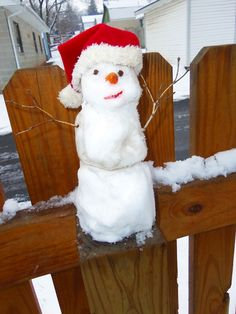 Our fence post snowman ♥