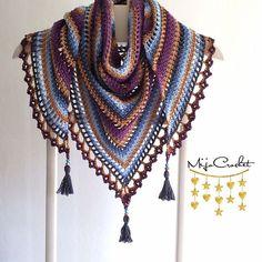 Taiga shawl pattern by Johanna Lindahl - Knitting and Crochet Crochet Shawls And Wraps, Crochet Scarves, Crochet Clothes, Knitting Scarves, Shawl Patterns, Crochet Patterns, Knitting Patterns, Mode Crochet, Crochet Woman