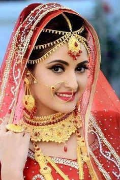 Indian Wedding Poses, Indian Bridal Photos, Indian Bridal Makeup, Indian Wedding Jewelry, Bridal Makup, India Wedding, Indian Wedding Couple Photography, Bride Photography, Bridal Photoshoot