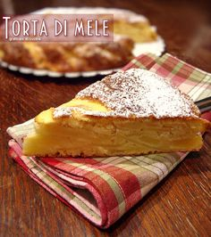 Torta di mele delle sorelle Simili, dolce senza burro o olio. L'autunno si avvicina e una fettina di questa torta è ideale per la colazione o la merenda.
