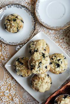 Muffiny jagodowe z kruszonką
