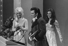 Johnny Cash wins five awards during the 1969 CMA Awards