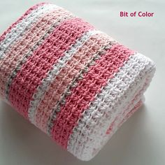 Bit of Color Knit Crochet, Crochet Hats, Crochet Tablecloth, Handmade Baby, Knitted Hats, Projects To Try, Plaid, Diy Crafts, Blanket