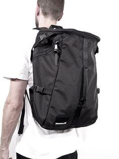 //\\ Lenore Capsule Backpack