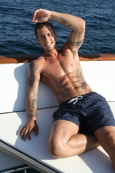GRRRRR Stuck in humid London for work! I'd rather be stuck on a sailing boat with #DannyOsborne cruising the Greek islands.