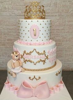 Birthday cake for girls 1st Birthday Cakes, Birthday Parties, 1st Birthday Cake Designs, Torta Princess, Rodjendanske Torte, Quinceanera Cakes, Crown Cake, Baby Girl Cakes, Baby Shower Princess
