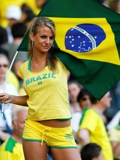 world cup brazil FANS Brazilian People, Brazilian Women, Brazil World Cup, Fifa World Cup, Babe, International Football, Soccer Fans, Summer Olympics, Healthy People 2020