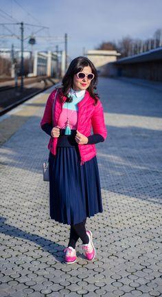 Marshmallow winter: midi skirt, pleated skirt, colour block sweater, minty, pink, fuchsia jacket, pink shoes
