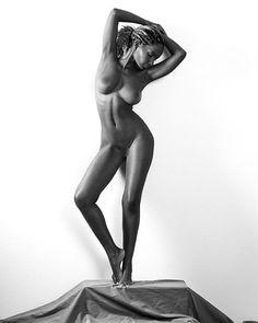 Statuesque nude with @shastawonder.... . . . #artnotporn #nude #nudeart #fineartphotography #artisticnude #fineartphotographer #fineart #bnw_captures #bnw #body #bnwphotography #photographer #beauty #femaleform #blackandwhite