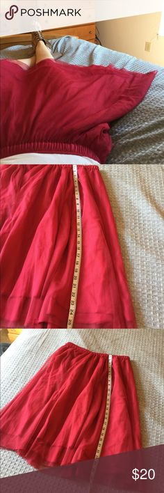 """DownEast Red Toul Knee Length Skirt, Size M I love this skirt! It looks adorable with a white top and heals. It's a size medium and fits true to size. It hits at the knee if worn midwaist. The waist stretches to 23"""", so doubled 46"""". Feel free to bundle with additional items in my closet for an extra 15% off! DownEast Skirts"""