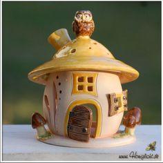 Windlicht-Keramik-Elfenhaus-mit-braunen-Pilzen-und-Eule