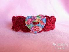 Crochet bracelet with heart button