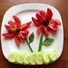 apresenta o de pratos com lanches - Google Search