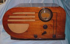 A Very detailed page on the 'Big Bullet' as some call this distinctive radio.