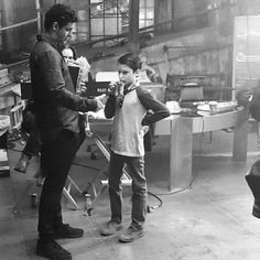 "654 mentions J'aime, 4 commentaires - Elyes Gabel Fans (@elyesgabel_fans) sur Instagram : ""#TBT Elyes and Riley on set. Photo by @journeywiththepkd  #elyesgabel #rileybsmith #teamscorpion…"""